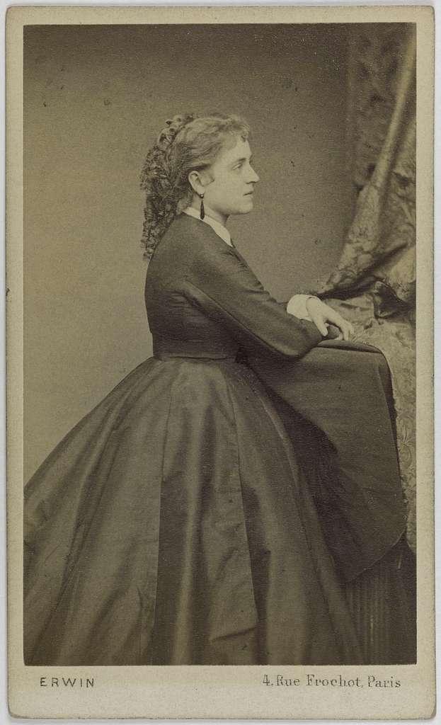 Portrait d'Adeline Blanche Pierson, (1842-1919), (actrice)