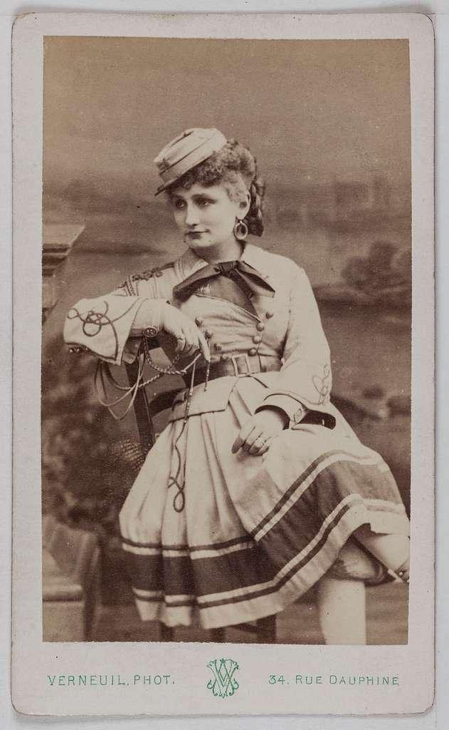 Portrait de Marié Irma, (sœur de Galli et de Paola Marié), (actrice)